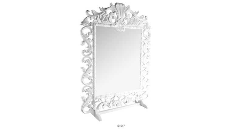 Picture of a 7'ft Delano Mirror