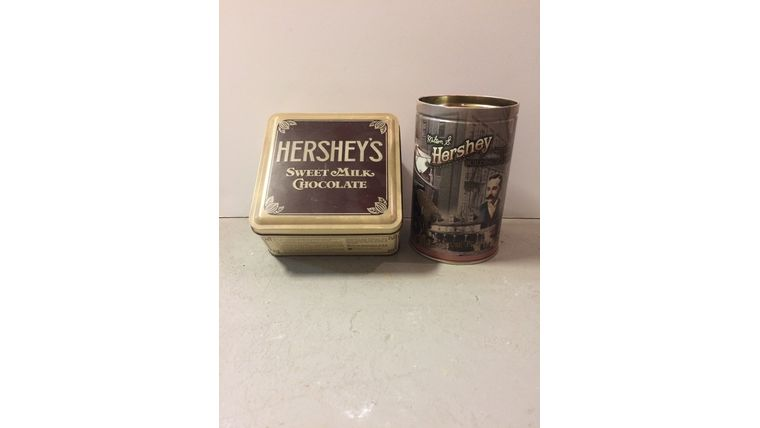 Picture of a Vintage Hersey's Tin Cans