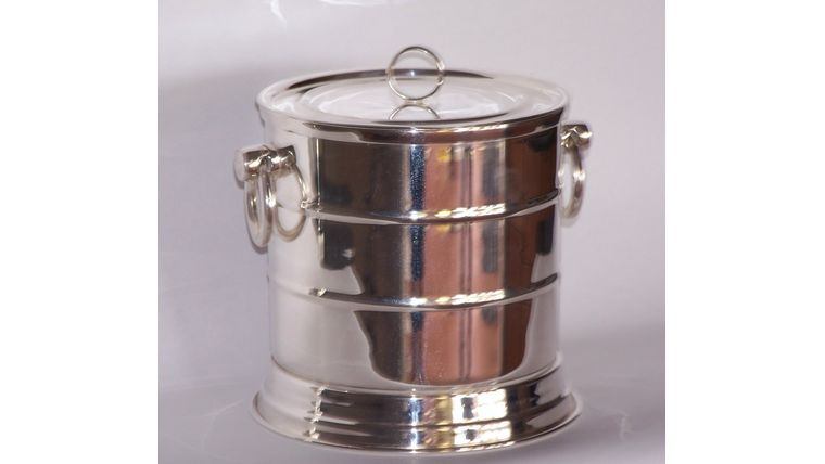 Picture of a Silver Ice Bucket