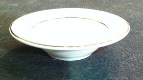 Image of a Fruit Dish - cream/gold