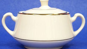 Image of a Sugar Bowl w/ Lid - cream/gold