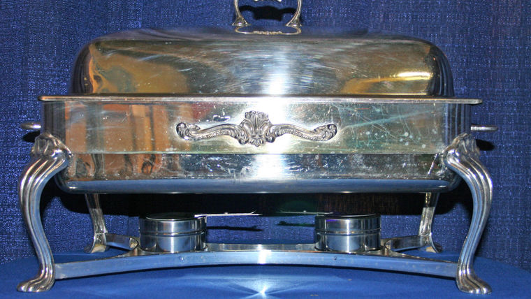 Picture of a Silver Chafing Dish: Full Size w/8 qt. pan, lift top