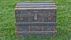 Image of a The Rowe Steamer Trunk