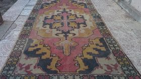 Image of a Oushak Handknotted Turkish Rug