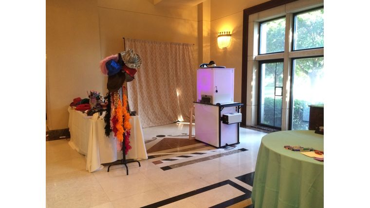 Picture of a All Inclusive Photo Booth Package