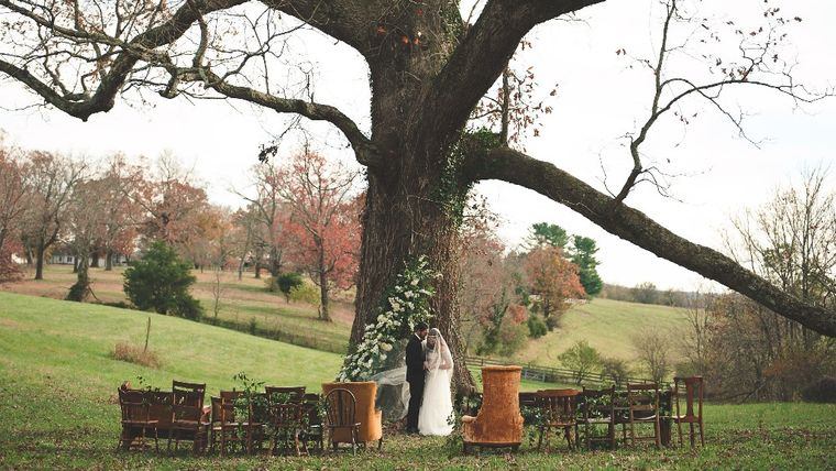 Mismatched Wooden Chair Ceremony Seating at Oatlands Plantation : goodshuffle.com