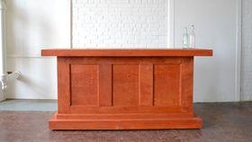 Image of a Estate Bar