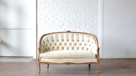 Image of a Savannah Settee