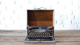 Image of a Underwood Typewriter