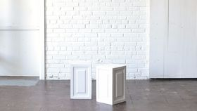 "Image of a 18"" White Wooden Pedestal"
