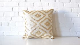 Image of a Gold & White Diamond Pillow