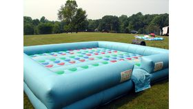 Image of a Entanglement Giant Inflatable Twist Game