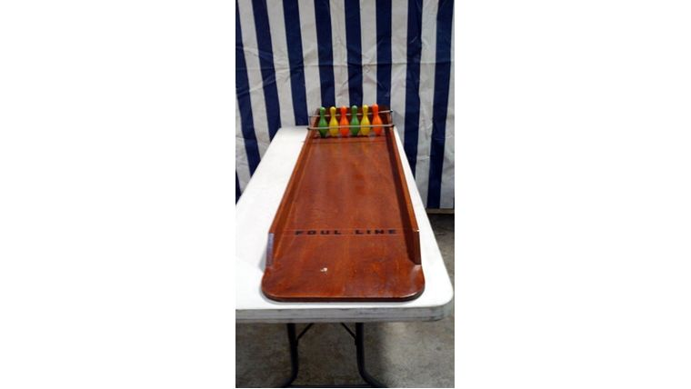 Image of a Bowling Pins Carnival Game