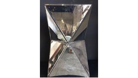 """Image of a 24""""x18"""" Rect. Geo Mirrored Stand"""