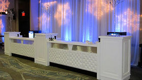 Image of a Cosmopolitan Bar, 2 Fronts w/ 3 Pedestals, Straight