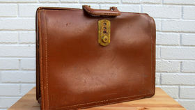 Image of a Vintage Luggage, Brown Satchel