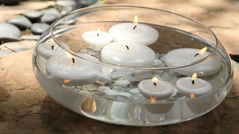 Picture of a Candles: Vase w/ Floating Candles and Pebbles