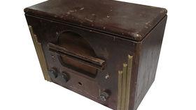 Image of a Prop: Radio, Antique Radio