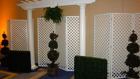 Image of a Colonial Garden Trellis, White