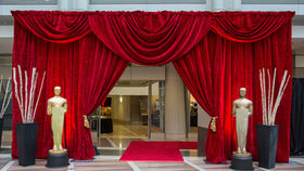 Image of a Drape Kit: Hollywood Entranceway With Red Scalloped Valance