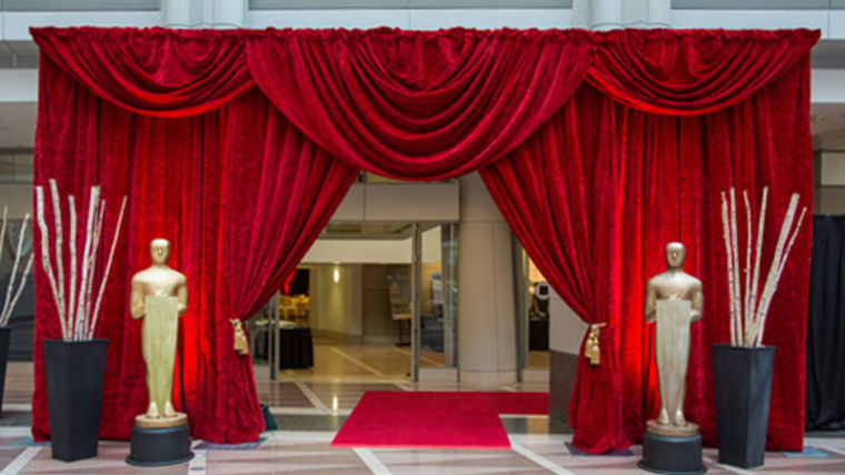 Picture of a Drape Kit: Hollywood Entranceway With Red Scalloped Valance