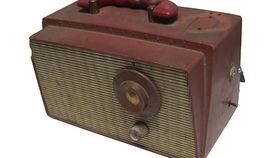 Image of a Prop: Vintage Radio