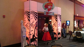 Image of a Entrance: Tradeshow Arch, Fabulous 50s