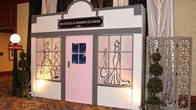 Image of a Set: Parisian Boutique
