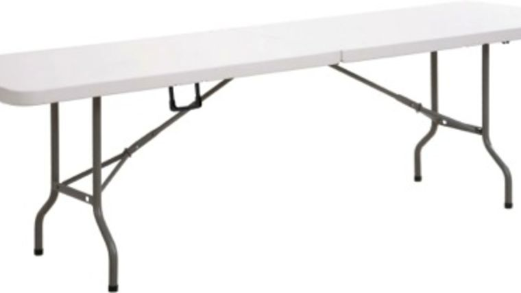 Picture of a 8' Folding Banquet Table