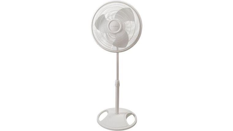 """Picture of a 16"""" Pedestal Fan"""