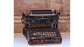 Image of a Antique typewriter