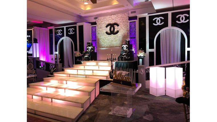 Picture of a Chanel Stage (32ft Stage)