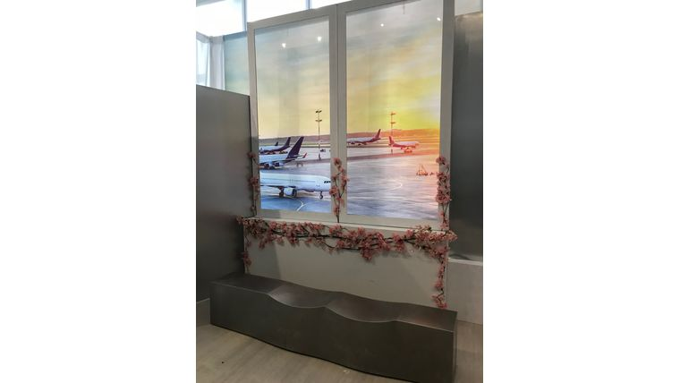 Picture of a Airport Window Frame (8' x 4')