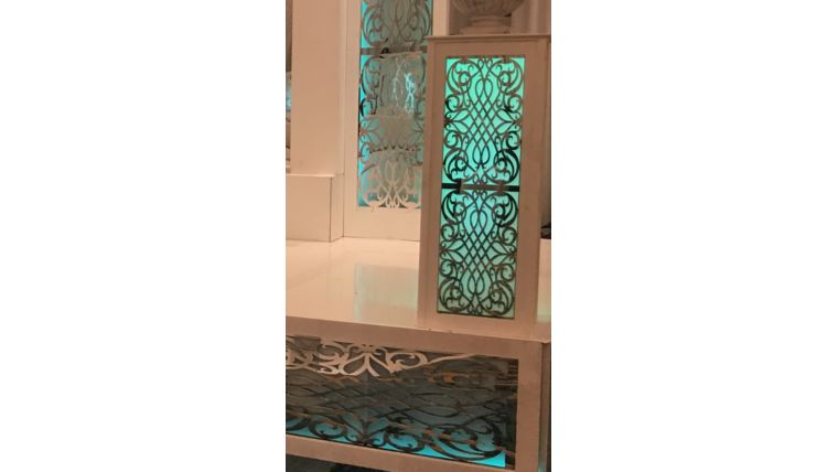 Picture of a Aileen Mirrored Column