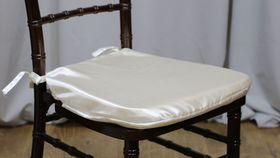 Image of a Ivory Chiavari Envelope/Cushion