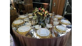 Image of a Acrylic Mirror Table Top Gold 48""