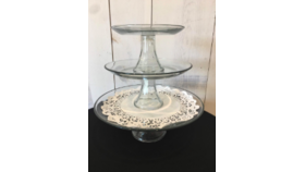 Image of a 3 Pieces Clear Pedestal Stand