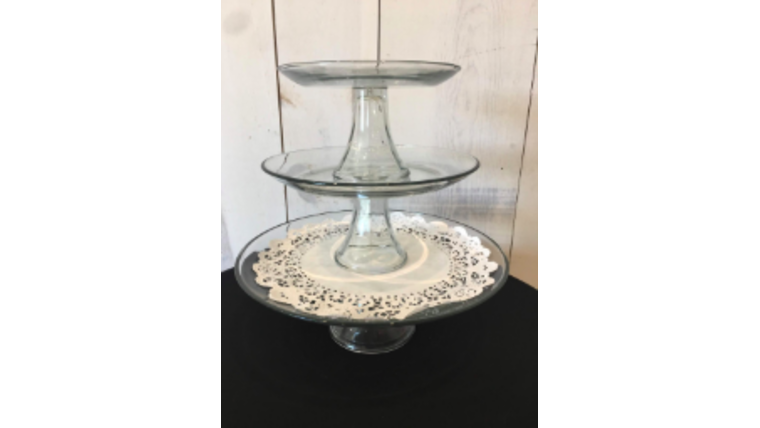 Picture of a 3 Pieces Clear Pedestal Stand