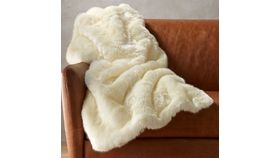 Image of a FAUX FUR BLANKET - WHITE