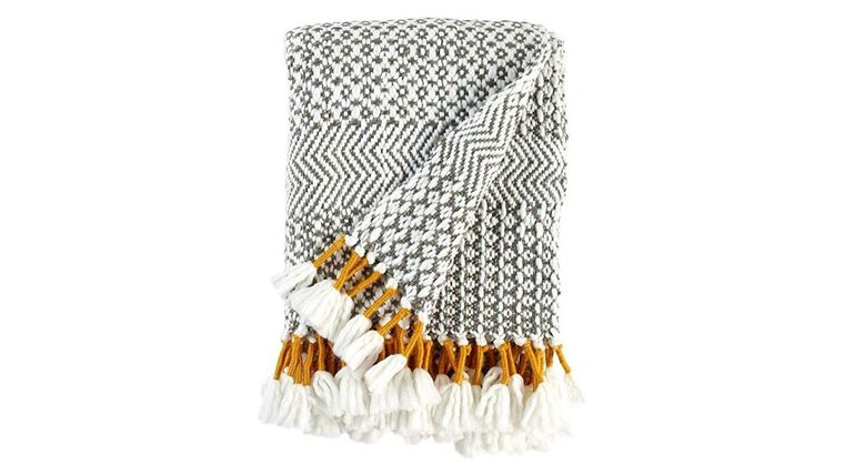 Picture of a GREY & MUSTARD FRINGE THROW