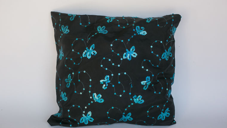 BLACK BEADED PILLOW : goodshuffle.com