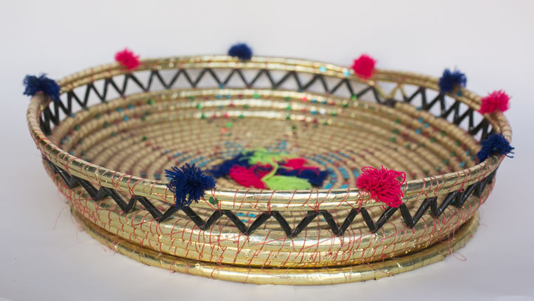 Picture of a BASKET PHULKARI STYLE - X LARGE