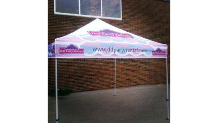Picture of a 10' x 10' Polyester' D&D Branded 1-Piece Tops