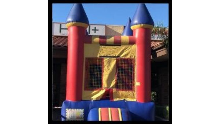 Picture of a 10 x 10 Castle Jumper w/ Basketball Hoop