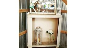 Image of a Shabby Chic Shelf