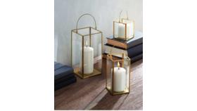 Image of a Gold Lantern Set