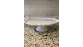"Image of a 13"" White Short Cake stand"