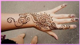 Image of a Henna Artist