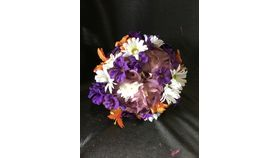 "Image of a 7"" Wildflowers Flower Ball"
