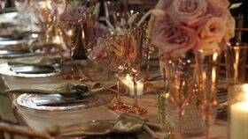 Image of a Glassware - Blush flute with gold rim
